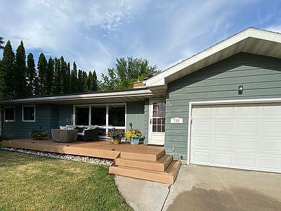 710 N Columbia Rd, Grand Forks, ND 58203