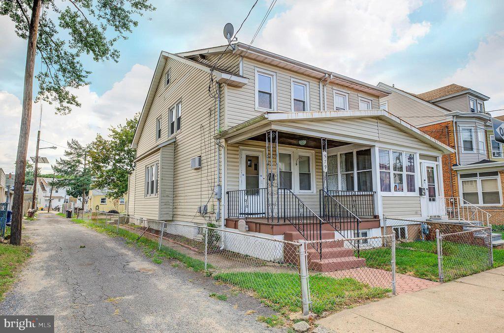 579 Emmett Ave, Trenton, NJ 08629
