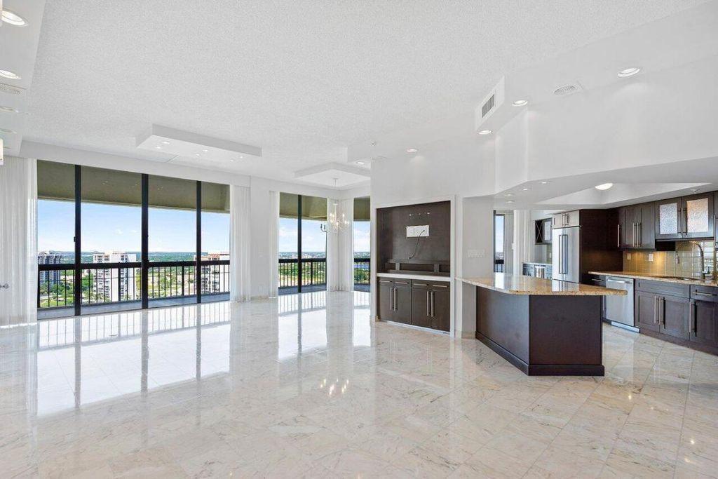 1900 Consulate Pl #6, West Palm Beach, FL 33401