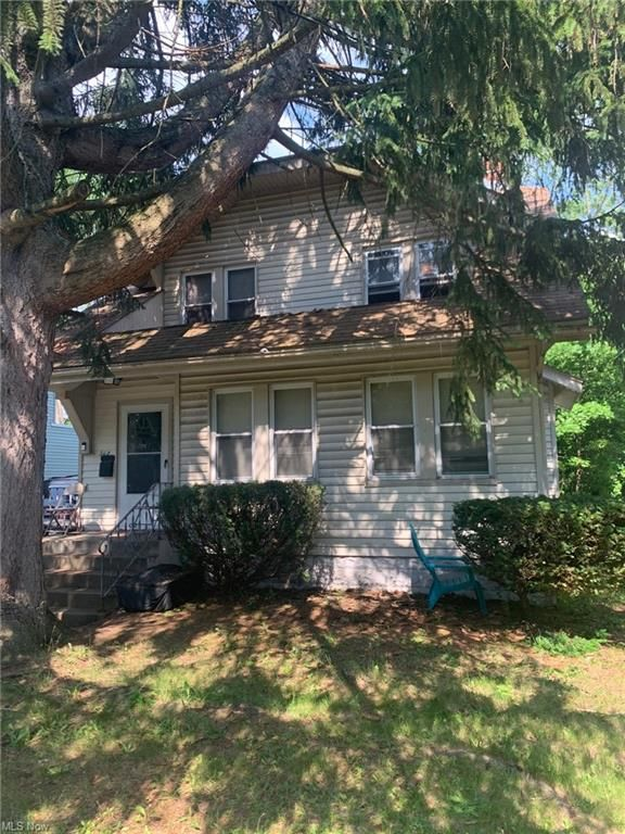 563 East Ave, Akron, OH 44320