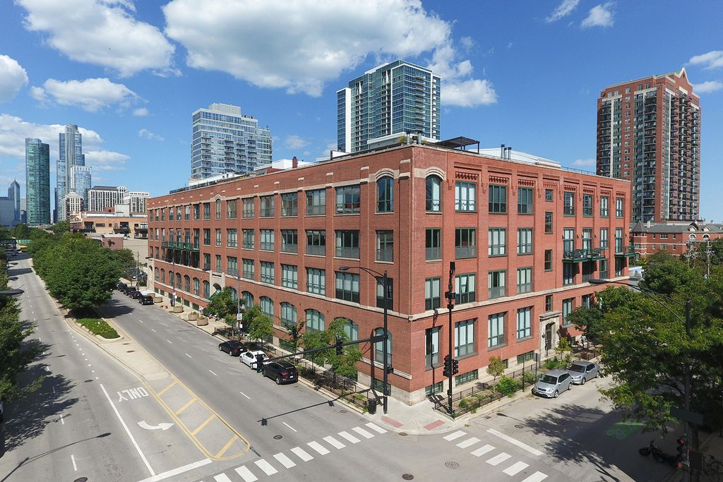 1727 S Indiana Ave #214, Chicago, IL 60616