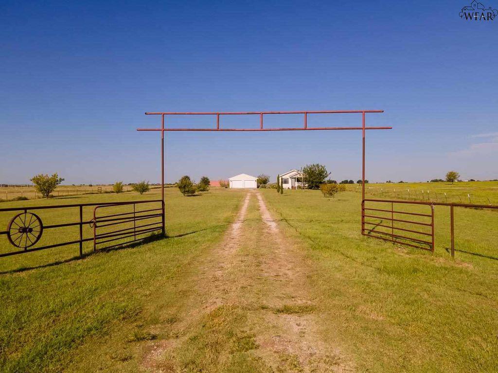 7917 Clay Rd, Wichita Falls, TX 76305