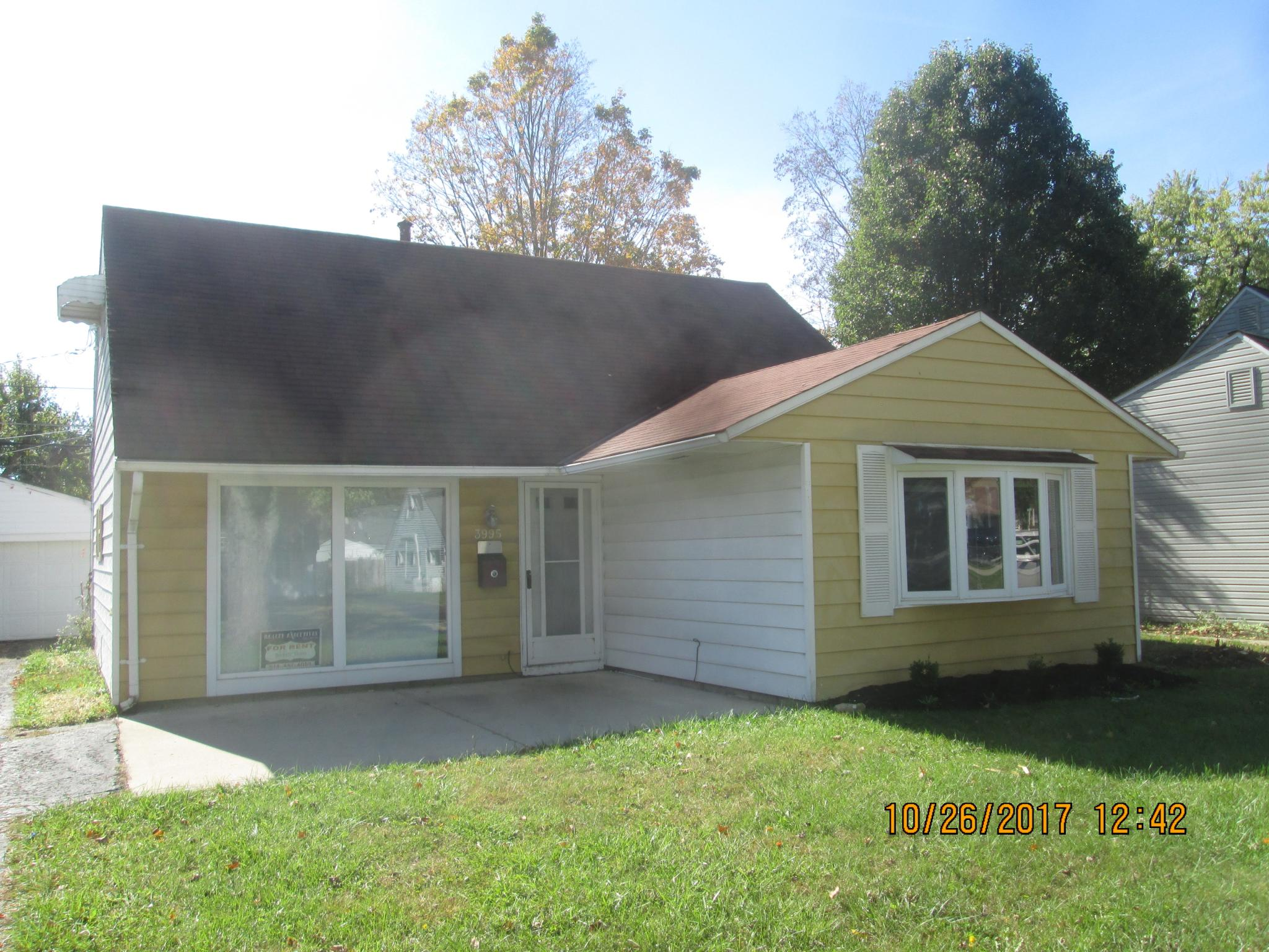 3995 Virginia Cir E Whitehall Oh 43213 5 Bed 1 Bath Single