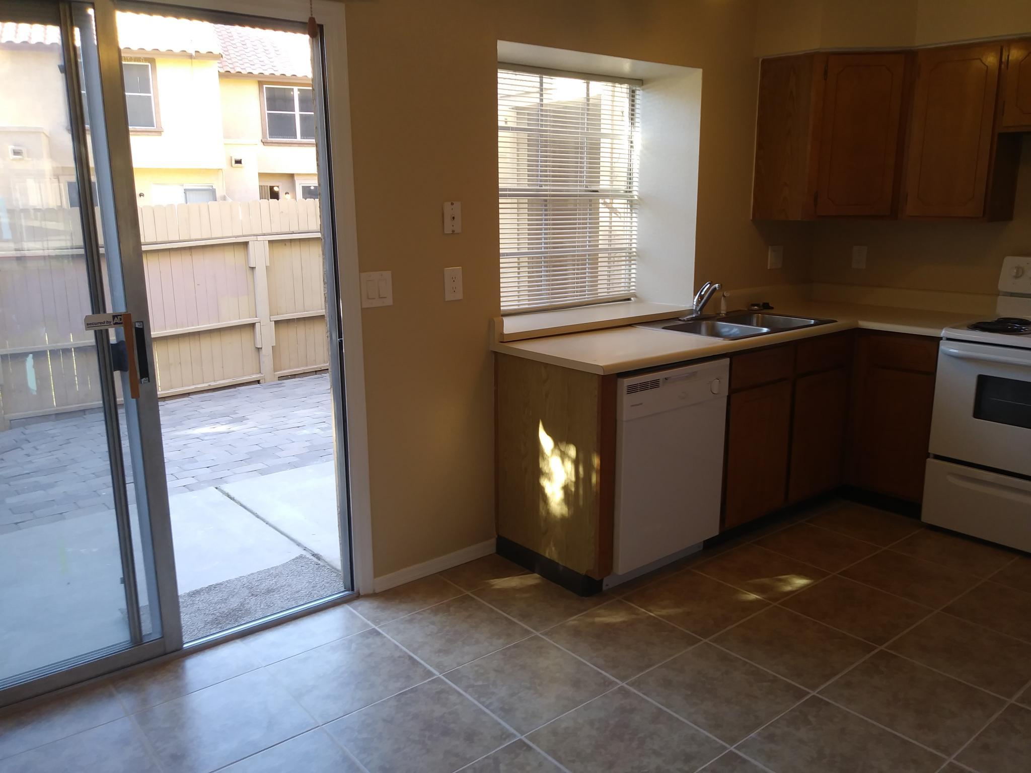 0d94713a25319 4601 N 102nd Ave  1014
