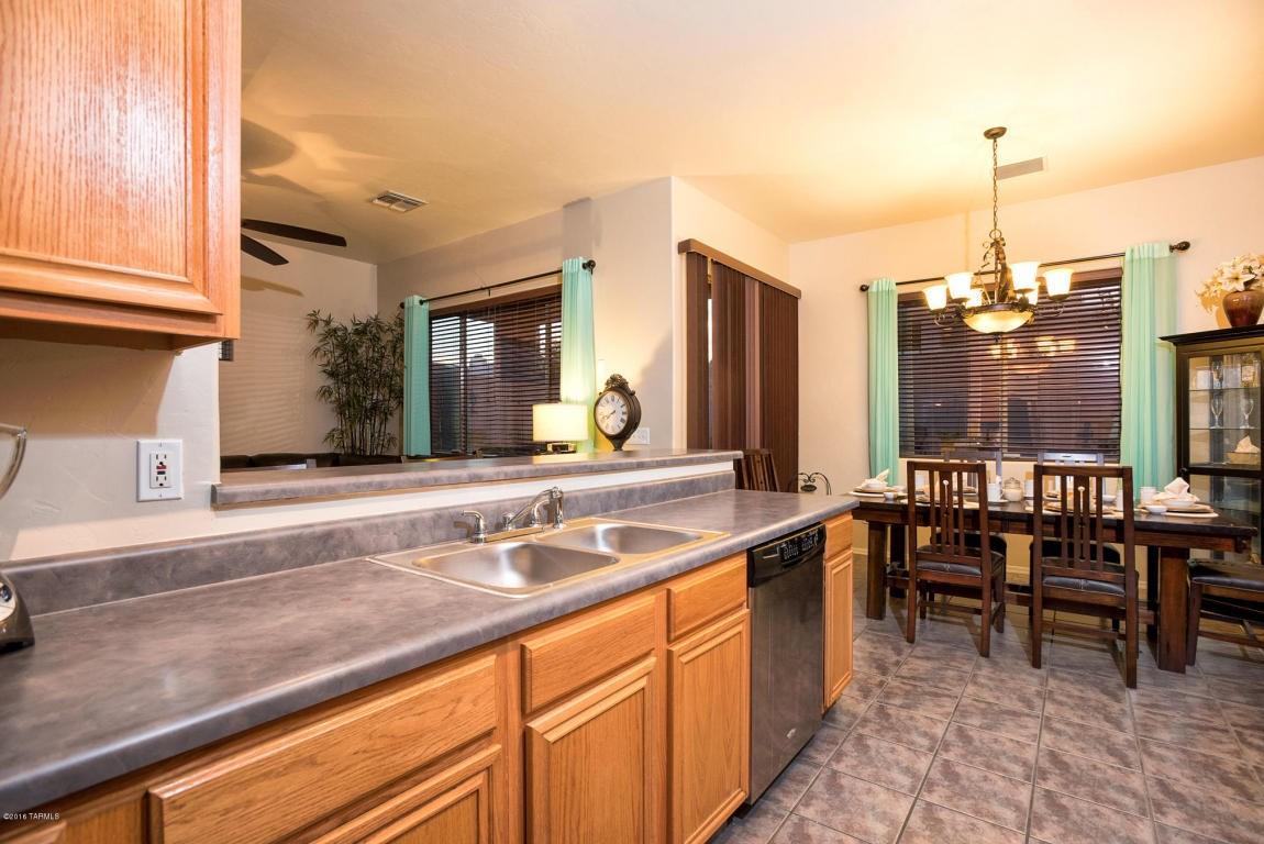 3681 N Corgett Wash Ct, Tucson, AZ 85745 - 2 Bath Single