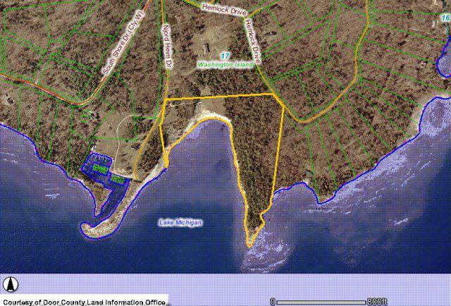 423 Johnson Dr, Washington Island, WI 54246 - 3 Bed, 2 5