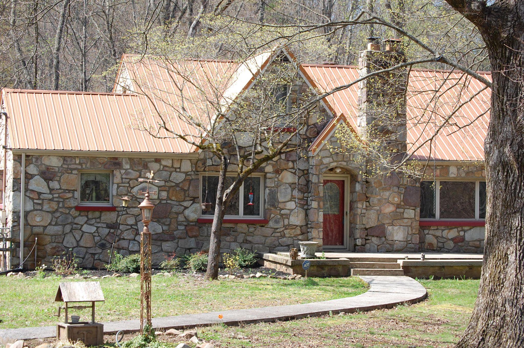 947 Goose Creek Rd, Seymour, TN 37865 - 2 Bath Single-Family