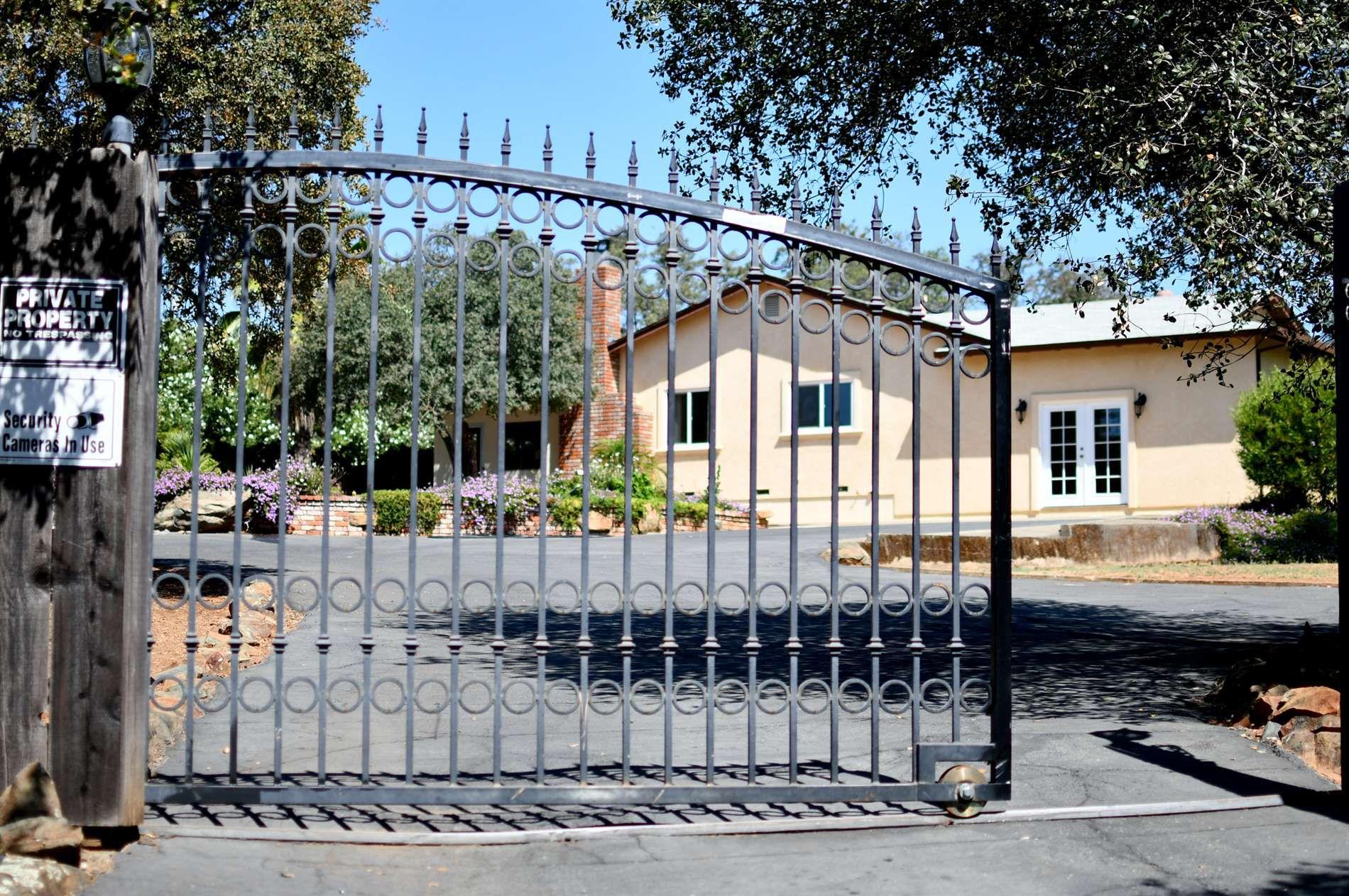 100 Plumas Dr, Oroville, CA 95966 - 3 Bed, 2 Bath Single
