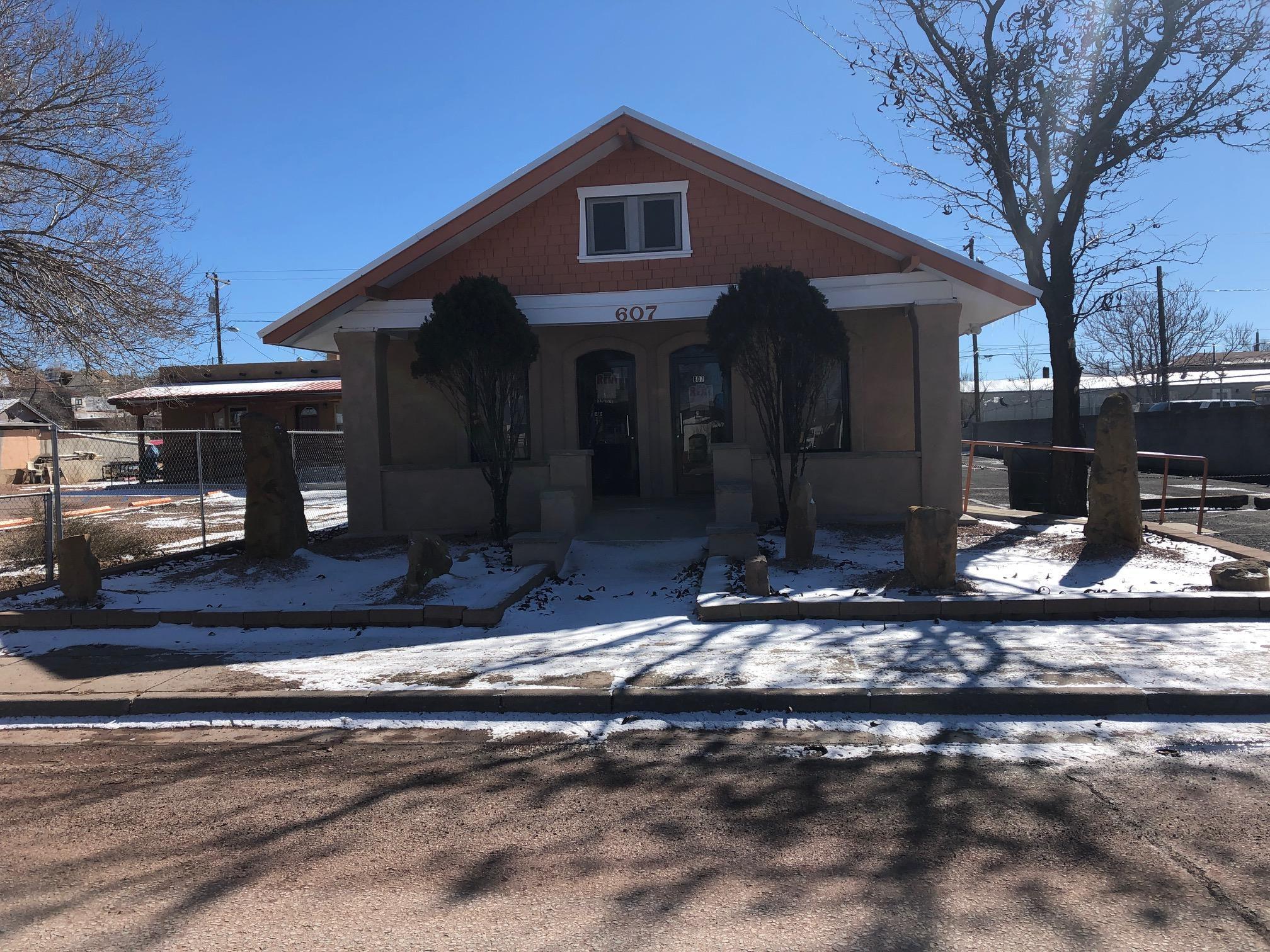 607 W Aztec Ave, Gallup, NM - Studio, 2 Bath Single-Family