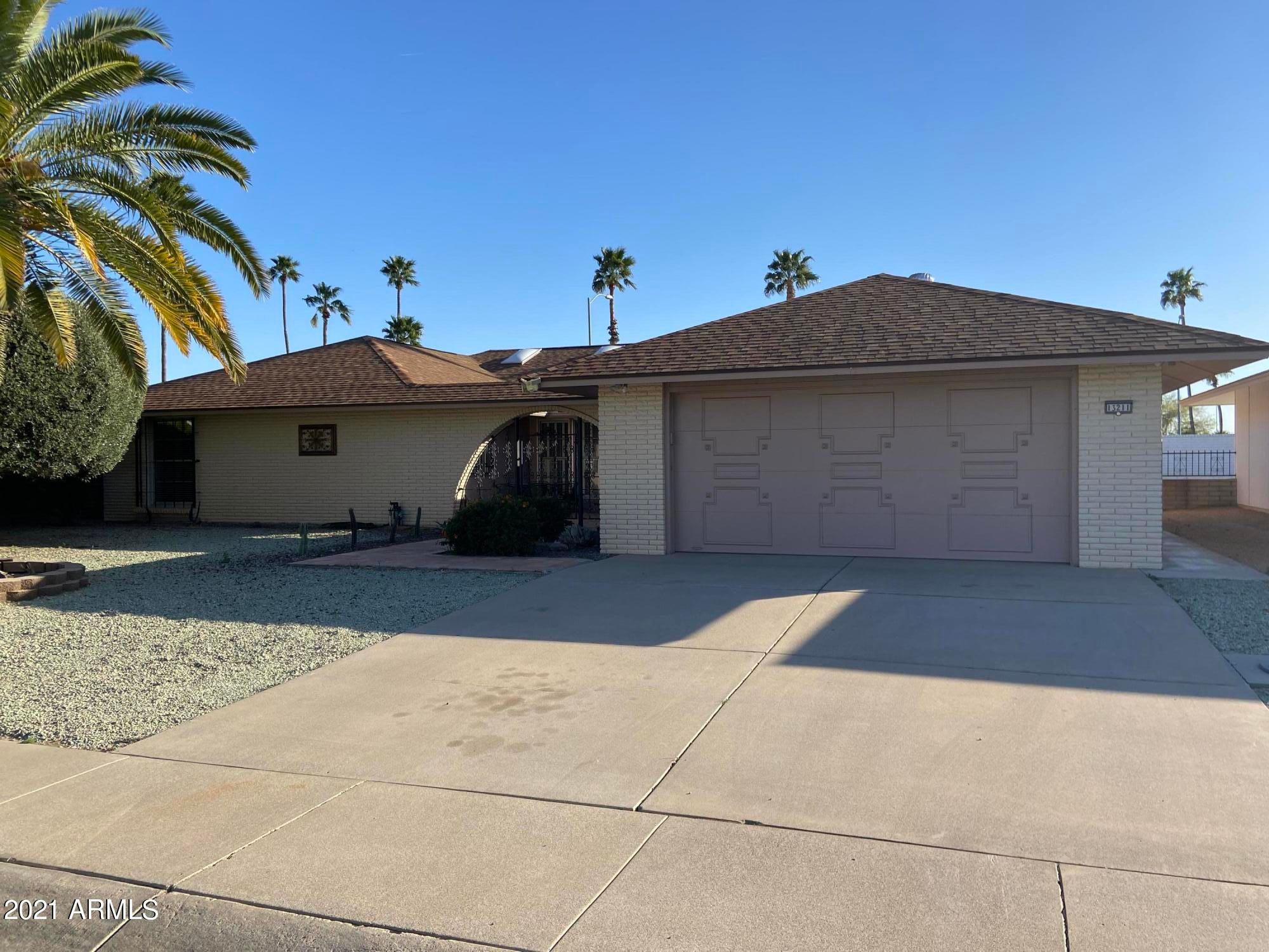13211 W Desert Glen Dr, Sun City West, AZ 85375 - 3 Bed, 2
